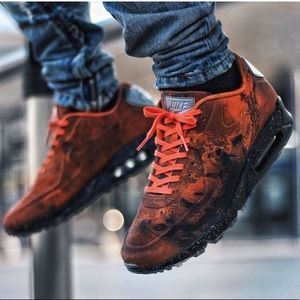 NIKE AIR MAX 90 MARS LANDING ORANGE BLACK 8.5 MENS